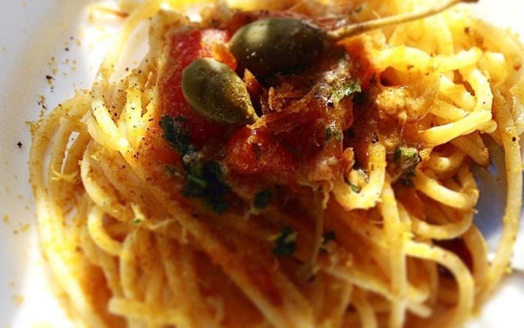 Pasta con i Cucunci, i Frutti del Cappero: Ricetta dal Sapore Unico